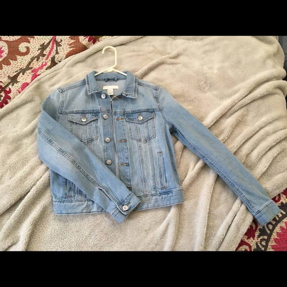 c2049796e62a H&M Jackets & Coats   Hm Light Blue Wash Denim Jacket   Poshmark
